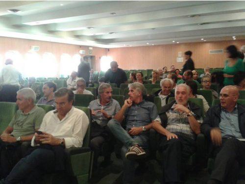 Tolmezzo: alla riunione per il Tribunale, no alle dimissioni immediate dei Sindaci, Serracchiani in pressing sulla Bottan