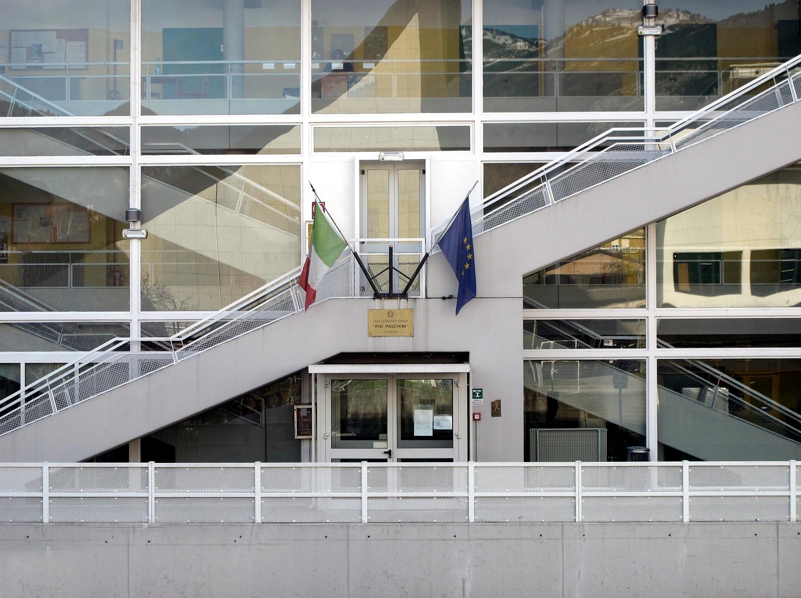 http://aldorossi.altervista.org/wp-content/uploads/2013/12/Liceo-Paschini-3_m.jpg